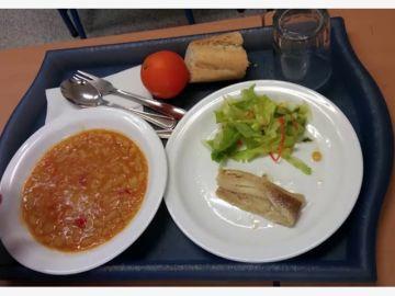 """Esto es lo que comen los niños en los comedores escolares: """"El pescado era cartón mojado"""""""