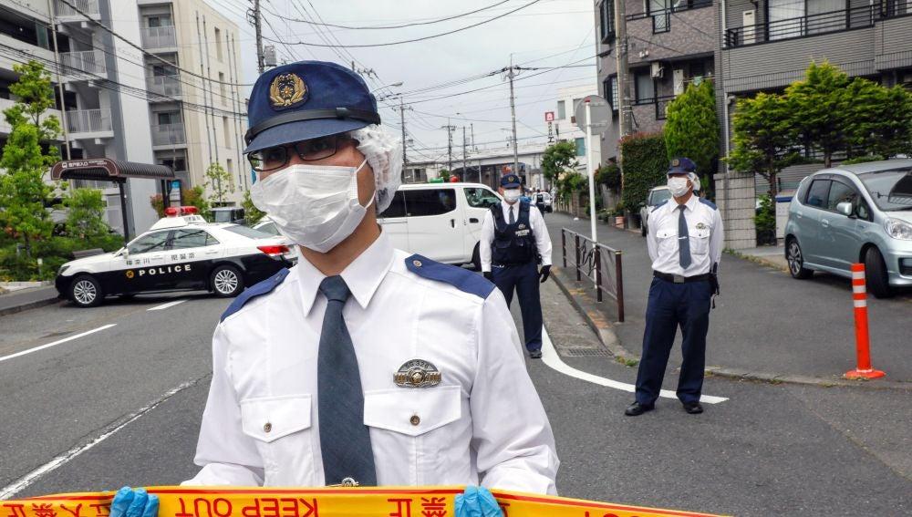 Exembajador de Japón asesina a su hijo por temor a ataque masivo