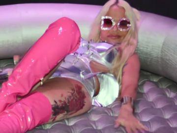 Leticia Sabater en su nuevo videoclip '18 centímetros papi'