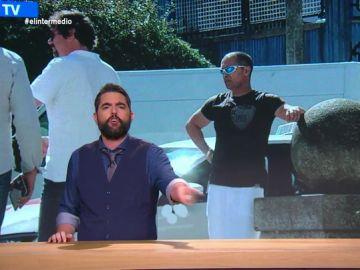 "La sólida defensa de Dani Mateo a un taxista que acude en falda a trabajar: ""Tu lucha es mi lucha"""