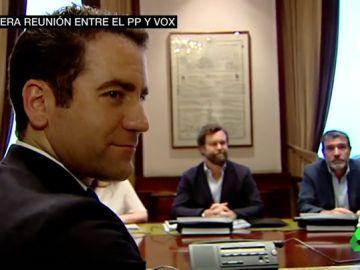 PP y Vox se reúnen por primera vez en el Congreso para hablar de acuerdos tras el 26M