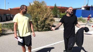 Carlos Aranda y Raúl Bravo, a su salida de prisión