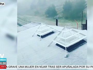 La imagen más sorprendente del día: así nieva en Madrid en pleno junio