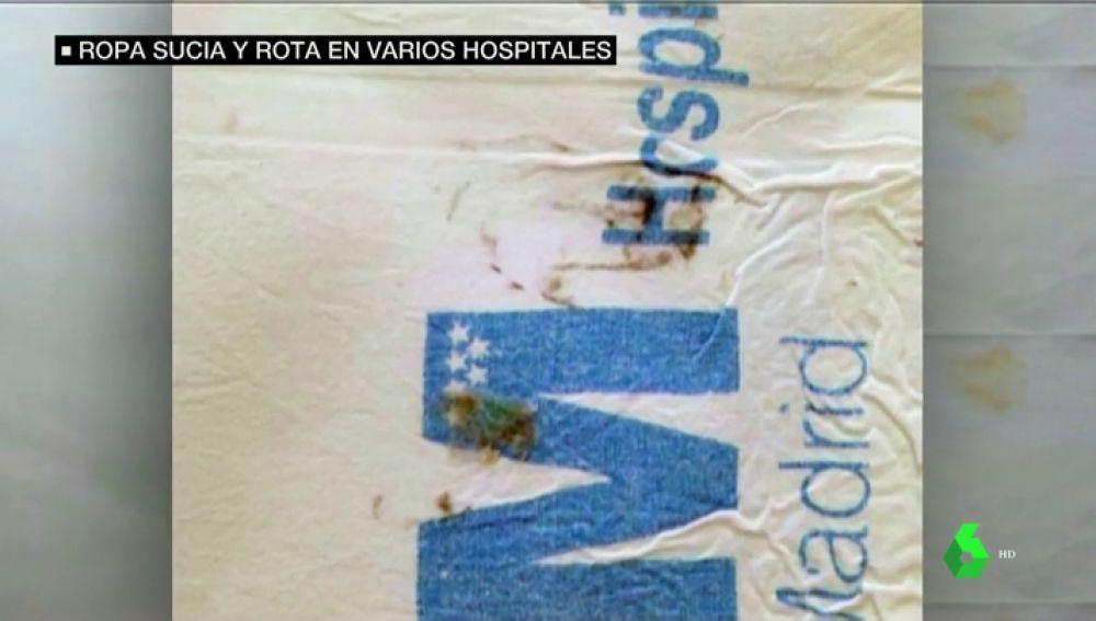 Denuncian el mal estado de la ropa de cama en hospitales de Madrid: sábanas rotas, con heces y manchas de orina