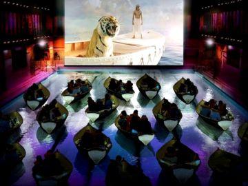 Comer, dormir, bañarse, jugar... todo lo que se puede hacer en una sala de cine