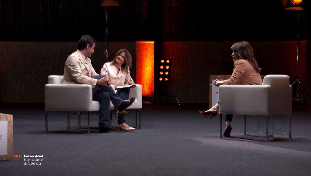 La pianista Gloria Revert junto a su marido y Helena Resano