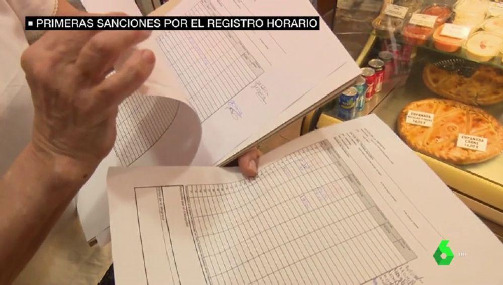 La inspección de Trabajo ya levanta actas a bares, comercios y talleres por incumplir el registro obligatorio de horario