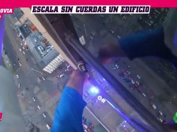 El 'Spider-Man' de Silesia escala un edificio de 170 metros sin cuerda