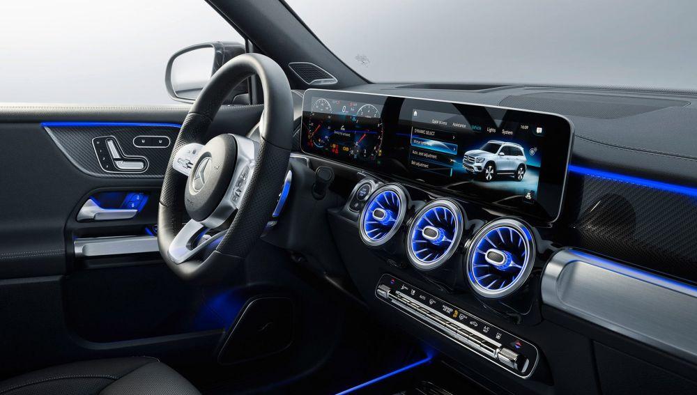 ¿Puedo instalar luces LED en el interior de mi coche? ¿Es legal?