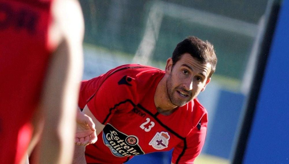 Íñigo López, en un entrenamiento del Deportivo