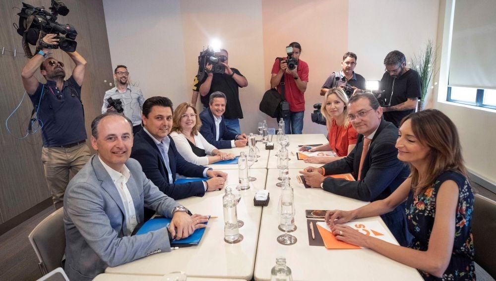 Reunión de negociación entre PP y Cs en Murcia