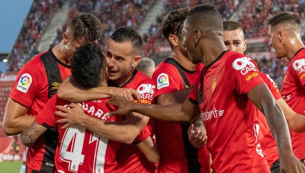 Los jugadores del Mallorca celebran un gol ante el Albacete