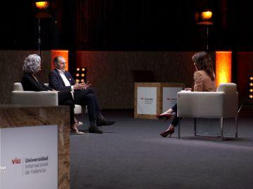 Francisco Isidro Núñez en su charla con Helena Resano