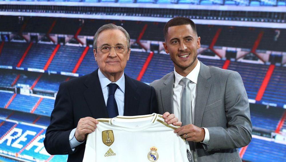 Florentino Pérez y Hazard en el palco del Bernabéu