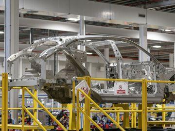 Aston Martin empieza a fabricar los primeros DBX