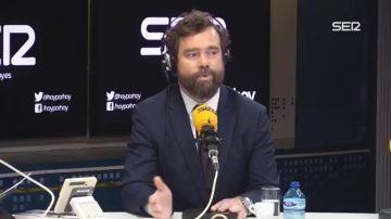 """Tensión entre Maraña y Espinosa de los Monteros por el miembro de Vox que llamó """"zorras"""" a las feministas: """"Le pongo colorado"""""""