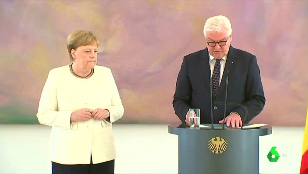 Merkel vuelve a sufrir temblores en un acto