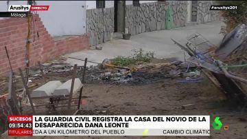 Investigan los restos de unas hogueras frente a la casa de Dana, la mujer desaparecida en Málaga