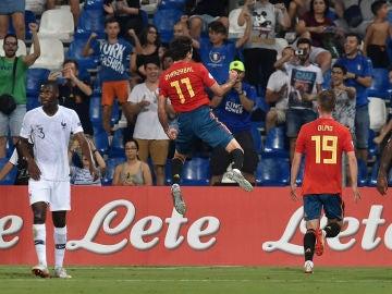Oyarzabal celebra su gol contra Francia