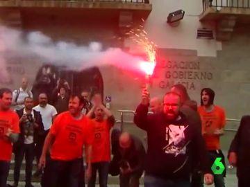 Protestas por el aborto 'in extremis' de la compra de Alcoa en Avilés y A Coruña