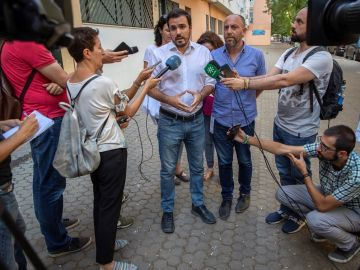 Alberto Garzón ante los medios
