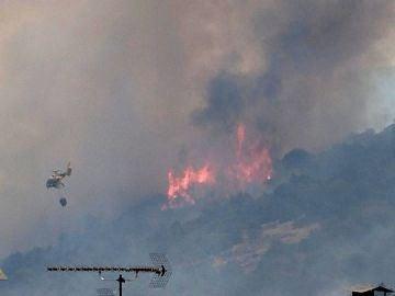 Avance de las llamas del incendio declarado en Almorox