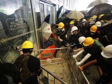 Caos en Hong Kong por las protestas ante la ley de extradición a China