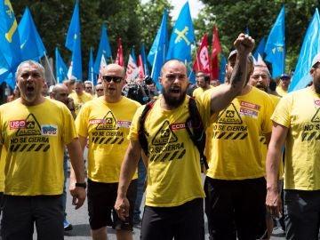 Industria consigue siete días más para negociar la venta de las plantas de Alcoa en España