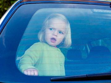 No dejes a los niños en el coche
