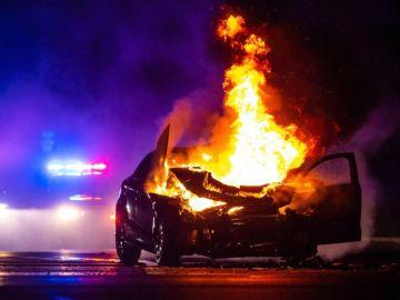 Tesla Model S ardiendo