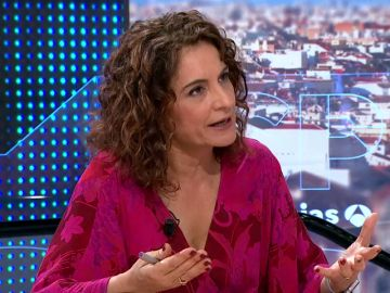 La ministra María Jesús Montero busca subir impuestos a grandes fortunas