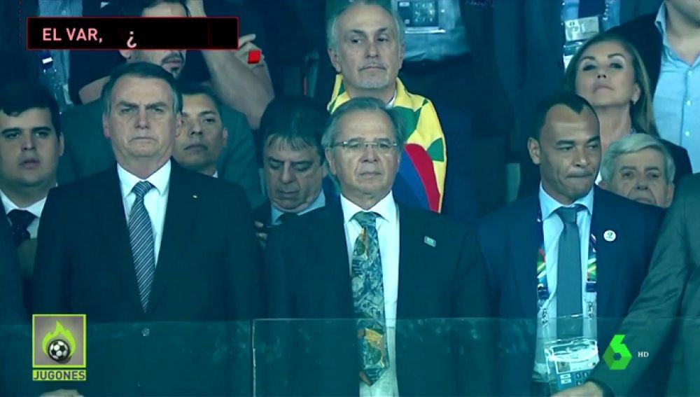 Sigue la polémica: aseguran que la seguridad de Bolsonaro pudo bloquear la señal del VAR en el Brasil vs Argentina