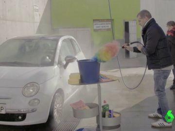 El día que Toni Cantó recordó su pasado en UPyD lavando el coche a una ciudadana