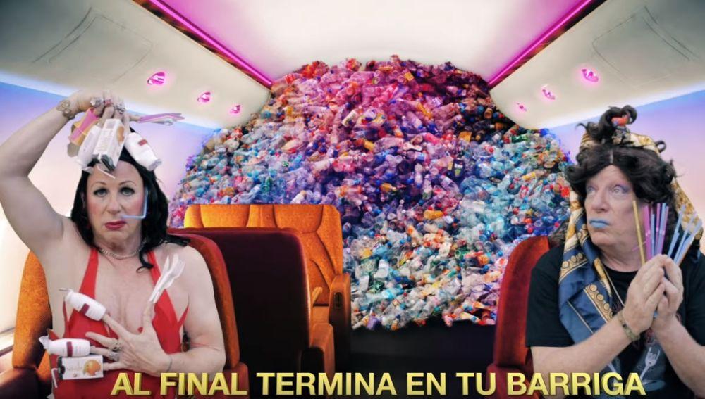 Los Morancos se atreven con Rosalía: así suena 'Con basura' para criticar el uso del plástico