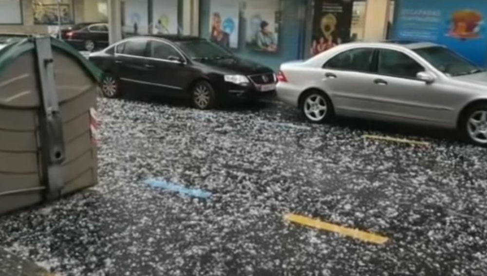 Las insólitas imágenes del granizo en Galicia días después de una histórica ola de calor: han caído 1.600 rayos