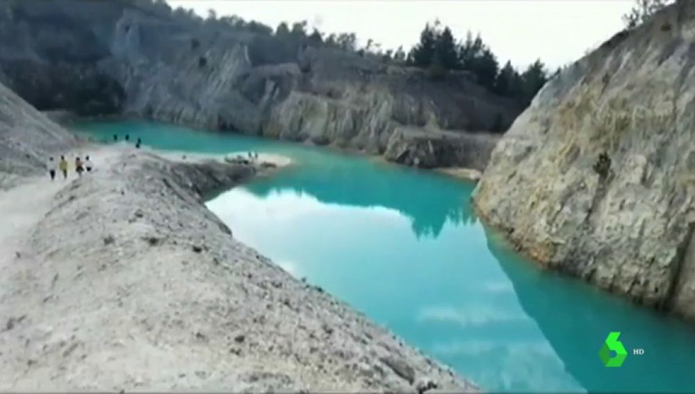 No, no es un lugar paradisiaco: el lago tóxico de Galicia que pone en riesgo la salud de 'instagramers'