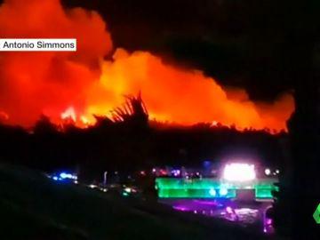 Un gran incendio obliga a evacuar a 10.000 asistentes de un festival de hip hop