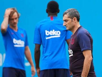 Valverde, con Griezmann de fondo