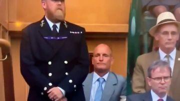 ¿Qué le pasa a Woody Harrelson? El extraño comportamiento del actor en la final de Wimbledon que se ha vuelto viral