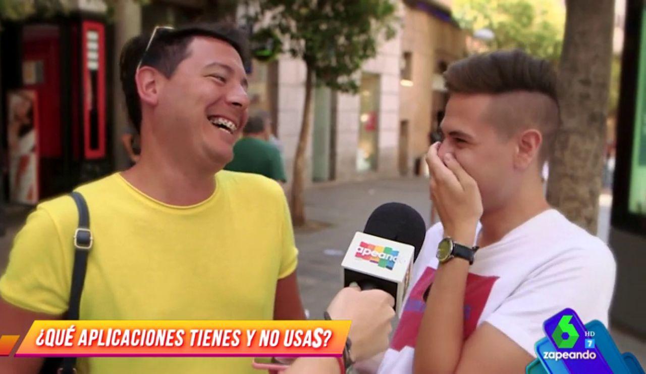 """Los españoles se confiesan: """"El juego del Pokemon Go me parece absurdo, mejor el Grinder, para atrapar a los chicos"""""""