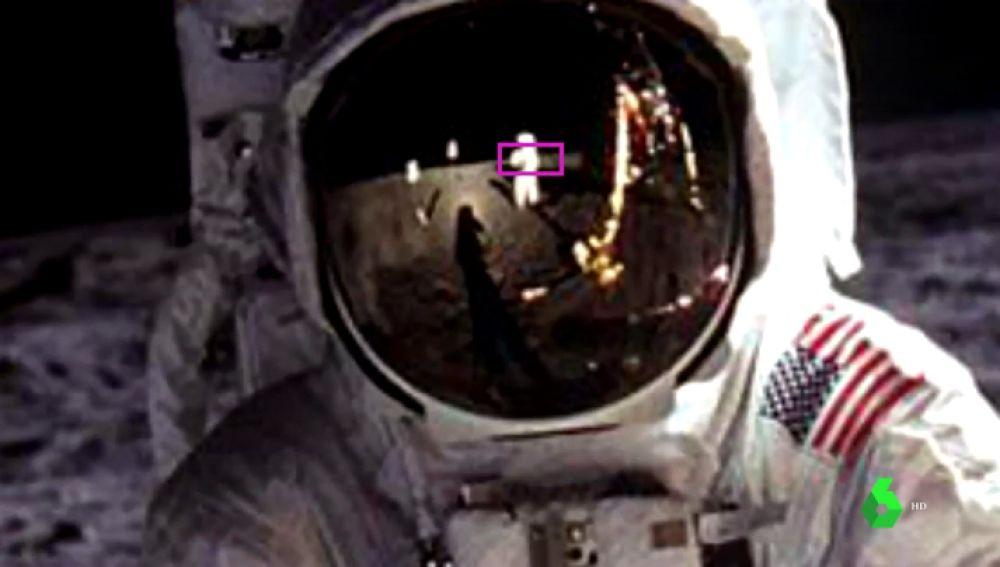 El reflejo de Amstrong en el casco de Aldrin.