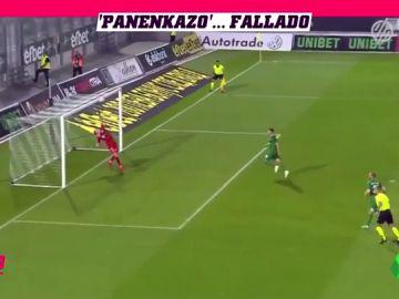 Tira un penalti a lo Panenka y lo falla: ¿Mérito del portero o demérito del jugador?