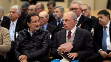 El expresidente de Bankia Rodrigo Rato junto al exconsejero de Caja Madrid José Antonio Moral Santín.