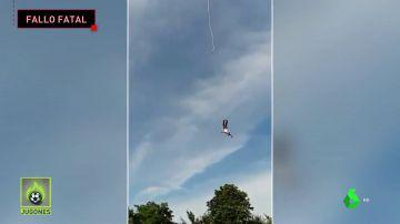 Escalofriante: Salta desde 100 metros de altura... Y se rompe la cuerda