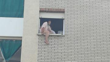 Una mujer se intenta suicidar cuando iba a ser desahuciada