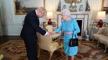Boris Johnson, durante una audiencia con la reina Isabel II