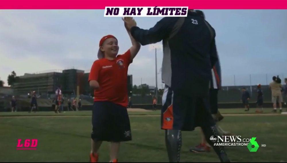 El ejemplar gesto de veteranos de guerra con niños con extremidades amputadas a través del 'softball'