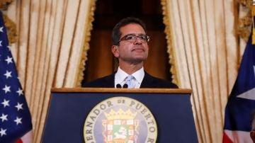 El abogado Pedro Pierluisi, se dirige a los medios tras ser juramentado como Gobernador de Puerto Rico