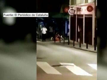 Brutal paliza a un hombre para robarle el patinete eléctrico en L'Hospitalet de Llobregat, Barcelona