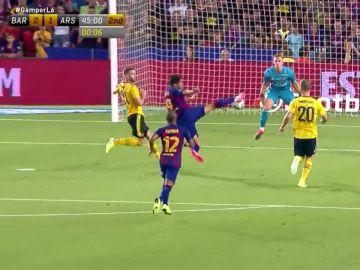 La definición de Luis Suárez en su gol contra el Arsenal